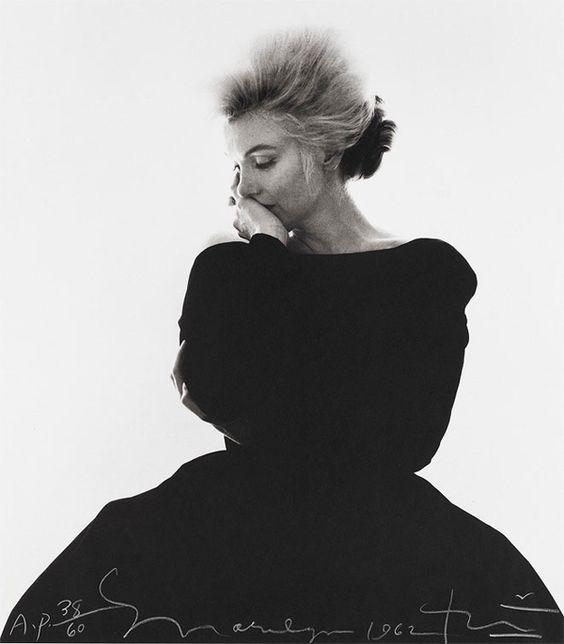 marilyn-monroe-%22the-last-sitting%22-1962-vogue-black-dress